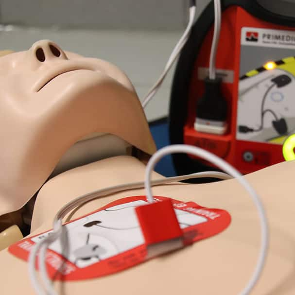 first-aid-doll-exercise-aed